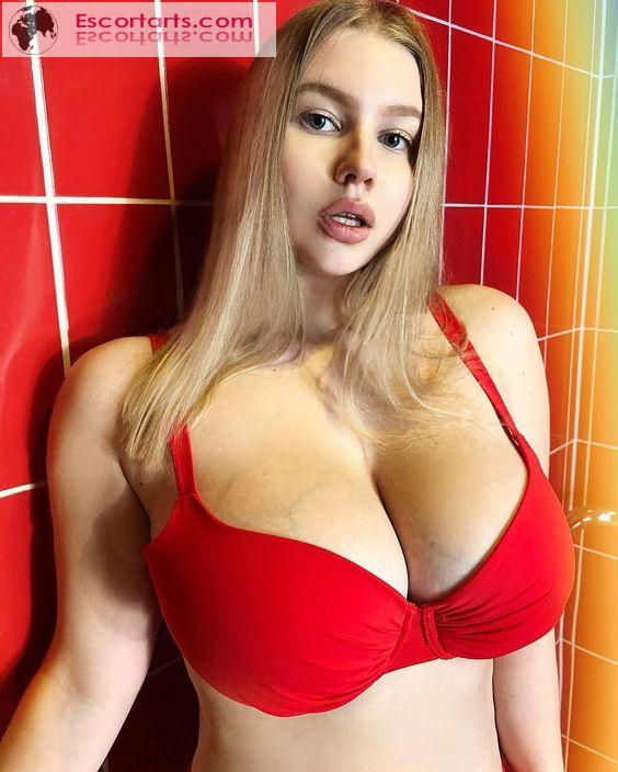 Girls Escort Delhi - VIP ESCORTS SERVICE IN DELHI CALL 9599646485...